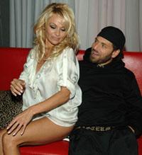 Pamela Anderson se divorcia com terceiro marido