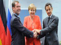 Medvedev, Merkel e Sarkozy discutem relações bilaterais