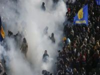 Em Kiev tem início marcha de neonazistas. 21009.jpeg