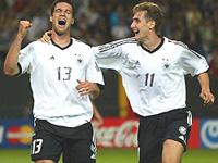 Alemanha ganha em penaltis, Itália com experiência