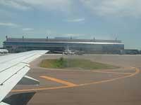 Aterragens e descolagens nocturnas estão proibidas nos aeroportos do Porto, Faro, Açores e Madeira