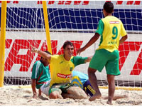Mundial de futebol de areia: duelo entre Brasil e Portugal