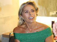 Adriane Galisteu exibe corpo bronzeado e escultural durante campanha publicitária. 28045.jpeg
