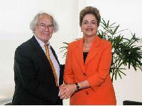 Pérez Esquivel: Brasil, democracia de luto, nossa América na luta. 25069.jpeg