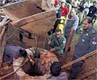 Homem fica preso em poço por mais de 20 horas