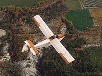 Avião movido a um motor eléctrico realizou primeiro vôo