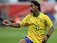 Ronaldinho Gaúcho concorre ao prêmio de melhor do mundo da Fifa
