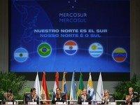 No aniversário do Mercosul, Lugo crítica Brasil e Argentina