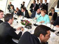 Bratislava: A cimeira da mesquinhez. 25127.jpeg
