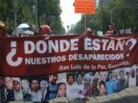 Após anúncio do massacre, manifestantes tentam invadir sede presidencial no México. 21134.jpeg