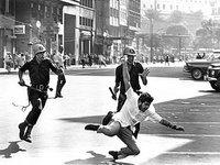 1964: democratas e ditatoriais