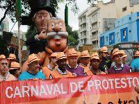 Aposentados realizam Carnaval de Protesto na Avenida Paulista. 28149.jpeg