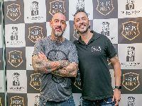 Henrique Fogaça, Mauricio Meirelles e outros humoristas prestigiam evento em barbearia de SP. 28164.jpeg