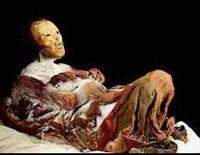 Encontrada múmia  a ver TV