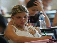 Mais de 2,5 milhões de estudantes participam do Enem em todo o país
