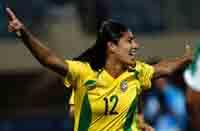 Meninas do futebol levam ouro depois de golear EUA