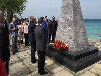 Chanceler cubano rende homenagem em Barbados a vítimas de atentado. 31194.jpeg