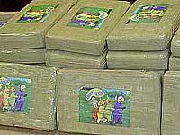 Quatro detidos em  vários aeroportos com cocaína