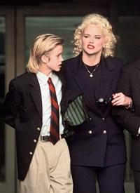 Mãe e advogado  disputam o controle do corpo de Anna Nicole Smith