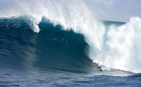 Surfista  recebeu o prêmio de surfe de maior onda de 16 metros (foto)