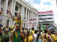Cientistas políticos debatem suas visões da América Latina. 23214.jpeg