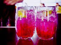 Restaurante carioca entra na campanha do Outubro Rosa e oferece drink para mulheres. 25231.jpeg