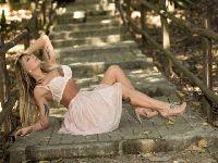 Luciane Hoepers posa sensual de cinderela. 27231.jpeg