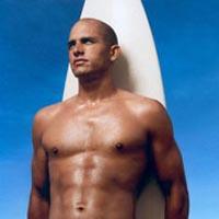 Campeão de surfe atacou os paparazzi