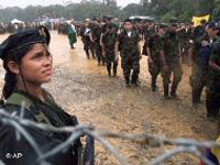 Chávez propôs  humanizar a guerra na Colômbia