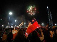 O Chile celebra o fim da Constituição de Pinochet. 34239.jpeg