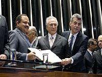 Um ano de golpe: há 365 dias chove no Brasil. 27243.jpeg