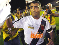 Romário marca o milésimo gol