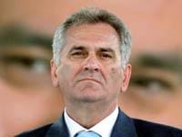 Oposicionista lidera nas eleições na Sérvia