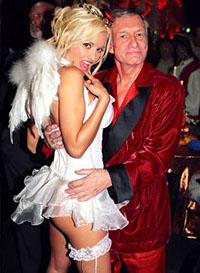 Dono da Playboy de 80 anos  casa com sua