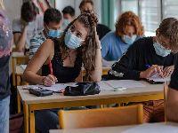 A França reforça o protocolo sanitário no setor da educação. 34311.jpeg
