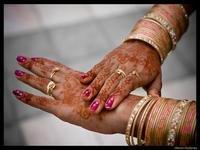Índia: Médico com ciúmes amputa mãos da mulher e do amante