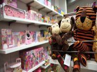 Brinquedos podem trazer riscos às crianças. 23313.jpeg