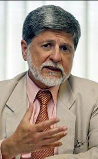 Amorim vai explicar os motivos da detenção dos  cubanos