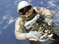 EUA e Rússia oferecem uma caminhada espacial inesquecível