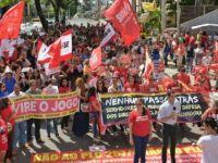 Contra o golpe, manifestantes promovem paralisações em todo o país. 24328.jpeg