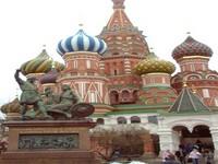Medvedev: Rússia é um país que historicamente defende a paz