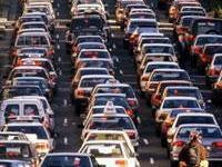 Excesso de veículos provoca lentidão no Rio