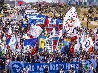 Estudantes ocupam Brasília pelo direito à
