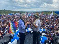 Morales regressou a Chimoré, denunciou o golpe e pediu apoio para Lucho. 34349.jpeg