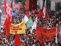Centrais sindicais preparam a greve geral de 28 de abril. 26368.jpeg