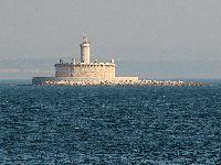 Embarcação encalhada junto ao Bugio - Verdes alertam para perigo de derrame. 28378.jpeg