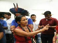 Xinguanos protestam pelo fim do loteamento da saúde indígena. 27382.jpeg