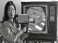 Shigeko Kubota, uma das primeiras mulheres pioneiras da vídeo arte. 28391.jpeg