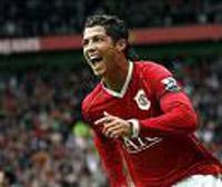 Cristiano Ronaldo renova contrato com Manchester United
