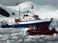 """""""Ciudad de Ushuaia"""" já sem passageiros encalhado na Antártida"""